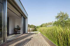 Galeria de Um Corte Concreto / Pitsou Kedem Architects - 50