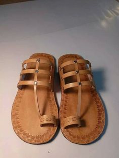 Handrcafted leather sandals por WilsonLeatherGoods en Etsy