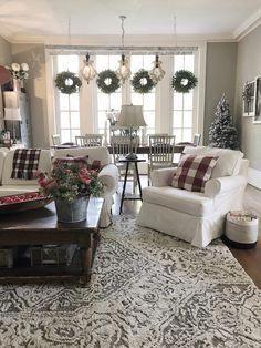 60 farmhouse living room joanna gaines magnolia homes decorating ideas 44 Living Room Lighting, Living Room Decor, Farmhouse Living Room Furniture, Farmhouse Decor, Modern Farmhouse, Country Farmhouse, Primitive Country, Country Homes, Vintage Farmhouse