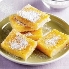 Our native citrus lends a refreshing, distinct flavor to these squares! Dessert Drinks, Dessert Bars, Dessert Recipes, Filipino Desserts, Filipino Recipes, Calamansi, Diner Recipes, Philippines Food, Pinoy Food