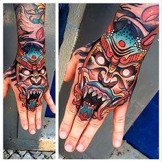 Domus Hand Tattoo Plus Hai Tattoo, Tattoos Masculinas, Asian Tattoos, Sick Tattoo, Body Art Tattoos, Tattoos For Guys, Temporary Tattoos, Tatoos, Japanese Hand Tattoos