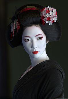 Making of Geisha by Lars Martinsson Geisha Make-up, Geisha Kunst, Geisha Japan, Kyoto Japan, Okinawa Japan, Japanese Beauty, Asian Beauty, Samurai Art, Female Samurai