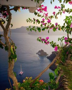 Beautiful Places To Travel, Beautiful World, Beautiful Nature Pictures, Nature View, Santorini Greece, Stunning View, Greece Travel, Graphic Wallpaper, Wonders Of The World