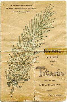 """Partition musicale de l'hymne """"Plus près de toi, mon Dieu"""" exécuté à bord du Titanic dans la nuit du 14 au 15 avril 1912 et éditée en 1912 au bénéfice de la Société Centrale de Sauvetage des Naufragés (Paris). En mémoire des artistes de l'orchestre ayant succombé à leur pupitre, c'est à dire à leur poste, en jouant l'hymne.  (Version dépliée)"""