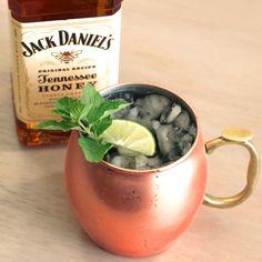 July Julep drink recipe with Jack Daniel's Honey, lemon, ginger and mint.