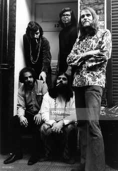 Photo of CANNED HEAT and Bob HITE and Adolfo De La PARRA and Larry TAYLOR and Alan BLIND OWL WILSON and Henry VESTINE; Posed group portrait Clockwise from bottom left - Larry 'Mole' Taylor, Adolfo 'Fito' de la Parra, Alan 'Blind Owl' Wilson, Henry 'Sunflower' Vestine and Bob 'Bear' Hite, smoking Heat Band, Blind Owl, Bob Dylan Live, Smoking Photos, Alan Wilson, Music Machine, Old Rock, 60s Music, Muddy Waters