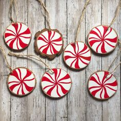 Painted Christmas Ornaments, Decoration Christmas, Hand Painted Ornaments, Christmas Wood, Wooden Ornaments, Homemade Christmas Ornaments, Peppermint Christmas Decorations, Hand Christmas Tree, Homemade Xmas Decorations