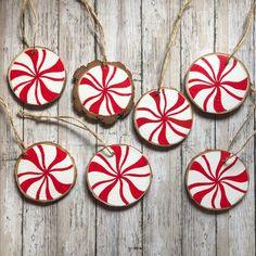 Painted Christmas Ornaments, Decoration Christmas, Hand Painted Ornaments, Christmas Wood, Wooden Ornaments, Homemade Christmas Ornaments, Peppermint Christmas Decorations, Homemade Xmas Decorations, Dough Ornaments