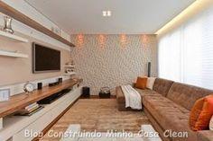 Conjunto perfeito um lindo painel de TV, sofá confortável, tapete sofisticado e iluminação aconchegante! Hoje na arquitetura moderna é ...