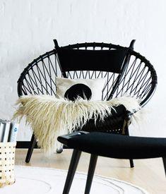 PP 130   Circle Chair PP Møbler. Designer Hans J. Wegner Year 1985