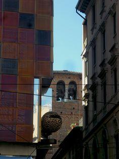Scorcio di una strada che incrocia Via Torino Milano