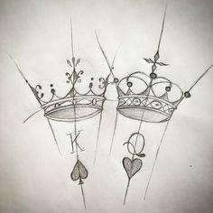 16 best ideas of king and queen tattoos - Typografia - Melhores Tatuagens King Queen Tattoo, King Tattoos, Body Art Tattoos, Small Tattoos, Sleeve Tattoos, Queen Crown Tattoo, Tatoos, Graffiti Drawing, Pencil Art Drawings