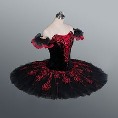 New COLLECTION 2015! This stunning, extra feminine professional tutu is suitable…