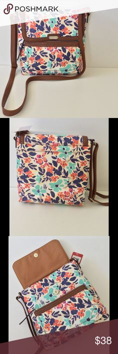 🆕 Relic Flap Cross Body Floral Bag NWT You've just found your perfect Spring & Summer bag! Nice size for all your essentials with great organization. See last photo for dimensions. New with tags 🎀Bundle discount  ⭐️5 star rated Suggested User 🚭Smoke free home 🚫No trades please  😍 Thank you for shopping with me. Please ask all questions before purchase Relic Bags Crossbody Bags