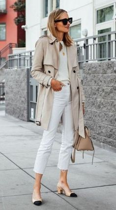 34 The Best Trench Coat Outfit Ideas For Spring And Summer - Consistently, planners make a huge amount of new trench coats to pitch to ladies. Every year, these styles change a tad so as to make them unique in r. Spring Work Outfits, Spring Outfits Women, Outfits For Paris, Women Work Outfits, White Outfits For Women, Outfit Summer, Trench Coat Outfit, White Coat Outfit, Trench Coat Women