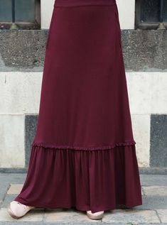 Ruffled Jersey Maxi Skirt in 2020 Modest Dresses Casual, Modest Outfits, Skirt Outfits, Dress Skirt, Jersey Maxi Skirts, Long Maxi Skirts, Skirt Fashion, Fashion Dresses, Modele Hijab