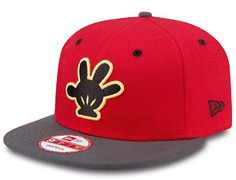 a343aeb77f5 Two Tone Mickey Mouse Glove 9Fifty Snapback Cap by NEW ERA x DISNEY