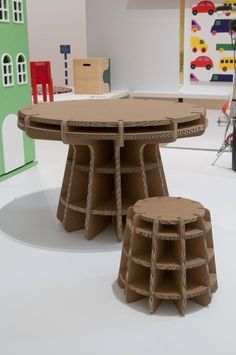 Cardboard furniture table is a very eco-friendly id&; Cardboard furniture table is a very eco-friendly id&; Josie Geesey furniture design Cardboard furniture table is a very eco-friendly […] furniture diy Cardboard Chair, Diy Cardboard Furniture, Cardboard Recycling, Cardboard Design, Paper Furniture, Cardboard Sculpture, Cardboard Paper, Cardboard Crafts, Recycled Furniture