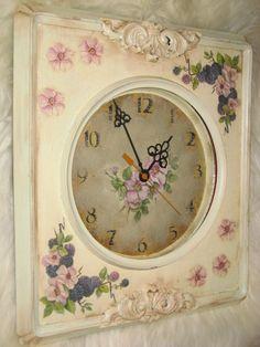 часы под слоновую кость и чаша к подносу http://dcpg.ru/blogs/1918/ Click on photo to see more! Нажмите на фото чтобы увидеть больше! decoupage art craft handmade home decor DIY do it yourself clock