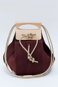 big canvas pop-up bag with leather handles / oxblood & nude