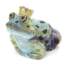 Some times you have to kiss a frog before you find your Prince. Let me kiss away ;-) Collector's Edition William Frog Prince Clutch Bag by Judith Leiber at Neiman Marcus. Beaded Purses, Beaded Bags, Unique Purses, Unique Handbags, Handmade Handbags, Unique Bags, Judith Leiber, Vintage Purses, Cute Bags