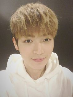 """160402 UP10TION Weibo Update  """"[ORIG] #UP10TION #GYUJIN 中国的HONEY10们~我好想你们啊~ 你们不想我吗?  [TRANS] #UP10TION #GYUJIN Chinese HONEY10~ I really miss you~ Do you not miss me?  """""""