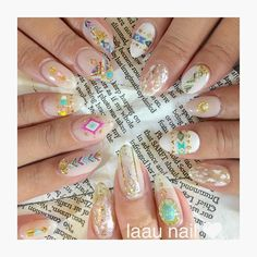 laau nailがつくるネイルはエスニックな大人ボヘミアンネイルがとっても豊富でどれも可愛い!ターコイズや天然石の使い方も素敵で夏のネイルにやってみたいネイルばかりです♡