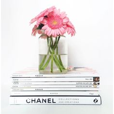 Fresh flowers + stack of magazines! #interior #coffeetable