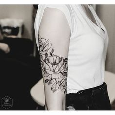 For @Chris_Bessmertna #peony #flowers #blacktattoomag #blacktattooart #blxckink #onlyblackart #darkartists #equilattera #inkstinctsubmission #tattoo2me #womenwithink