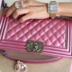 Chanel boy bag....what a beauty!!!