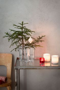 Alvar Aalto Vase - - Clear at MAKE Designed Objects - Trend Rockiger Stil 2019 Scandinavian Holidays, Scandinavian Christmas, Scandinavian Design, Danish Christmas, Christmas Fashion, Christmas Home, Xmas, Eiffel Tower Vases, Christmas Tree Branches
