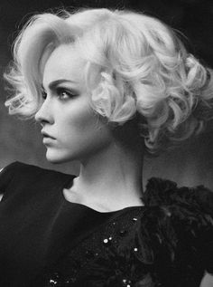 Short curly hair. Hollywood glam.