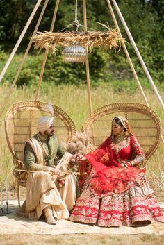 Indian Bridal Outfits, Indian Bridal Lehenga, Wedding Outfits, Wedding Looks, Bridal Looks, Sikh Wedding Decor, Red Indian, Indian Style, Indian Wear
