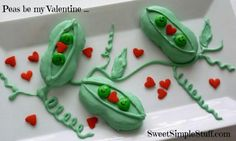 I kind of can't believe that Nutter Butters are even hiding under there. Make two-peas-in-a-pod Nutter Butter treats for Valentine's Day HERE at Sweet Simple Stuff. Valentines Day Food, Be My Valentine, Valentine Ideas, Funny Valentine, Valentine Crafts, Cinnamon Stars Recipe, Cheesecake, Nutter Butter Cookies, Cake Factory