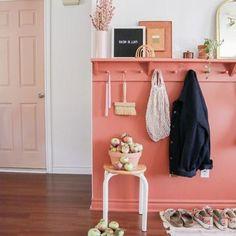 Hall d'entrée : 50 idées déco en image pour vous inspirer - Ctendance.fr Vestibule, Inspirer, Entryway, Furniture, Backpacking, Home Decor, Hall, Home Ideas, Modern Driveway