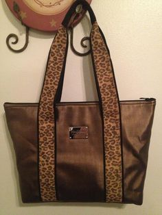 1b34aeb97f9e Madison Handbags you can design let me know and book a party with me !