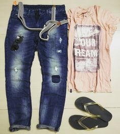 """let's go to the park for frisbees """" #casual #relax #outfitoftheday #lookoftheday #denimlove #denimdudes #rippedjeans #destroyedjeans #denimporn #style #denimblog #blogger #menstrend #menswear #fashion..."""