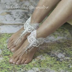 FSL Barefoot Sandals http://www.soniashowalterdesigns.com/free-standing-lace/barefoot-sandals-more/