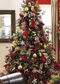 O Christmas Tree Inspiration! Big Christmas Tree, Woodland Christmas, Beautiful Christmas Trees, All Things Christmas, Winter Christmas, Christmas Tree Decorations, Christmas Crafts, Simple Christmas, Minimal Christmas