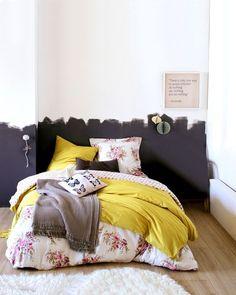 Du jaune et des fleurs pour réveiller la chambre - Linge de lit : 12 photos pour réveiller la chambre - CôtéMaison.fr