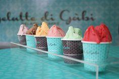 """Nosso cliente, a gelateria italiana """"Gelatte di Gàbi"""" em matéria na Folha de São Paulo. Dez. 2014. Deliciosos gelatos em copinhos de 60g. Gelateria na Zona Norte de SP."""