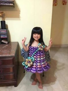 Balloon Dress, Crazy Outfits, Upcycled Crafts, Designer Dresses, Balloons, Costumes, How To Wear, Color, Beautiful