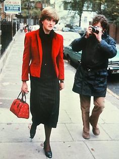 Princess Diana Paparazzi.......I BET IT BECAME SO BOTHERSOME HAVING TO DEAL WITH THIS EVERY TIME YOU STEPPED OUT THE DOOR.............ccp