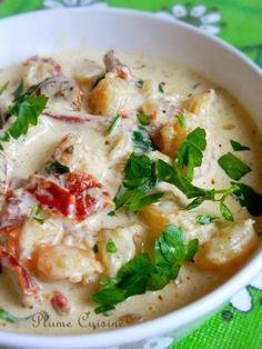 C'est la meilleure sauce crémeuse que je n'ai jamais mangé! Cette sauce crémeuse aux crevettes accompagnée de tagliatelles, est divine, mieux qu'au restaurant!!