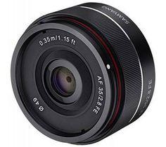 Samyang continue de développer sa gamme d'objectif pourvu d'un auto-focus. Ils viennent ainsi de présenter un nouveau 35mm f/2,8 AF pour les Sony A7/9. En attendant les résultats des tests, son prix de 300€ le rend très attractif. D'autres détails sur Les Numériques.