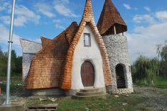 Castelul de lut Valea Zânelor, locul de poveste din Transilvania Amazing Architecture, Organic Architecture, House Architecture, Earthship, Home Goods, Cottage, Cool Stuff, Interior, Outdoor Decor