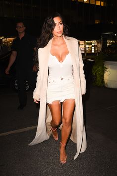 Kim Kardashian going to dinner with Kanye, 29 August 2016