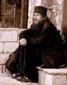 Διάλογος ενός υποτακτικού με τον γέροντά του, (του πατέρα Εφραίμ τον Κατουνακιώτη) -Γέροντα, λέω την ευχή, «Κύριε Ιησού Χριστέ ελέησόν...