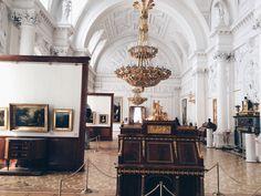 je tiens à vous habiller en robe à la française — flamande:   The Hermitage Museum. Saint...