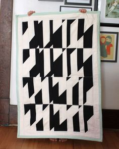 Abstract Baby Quilt Tutorial // smile and wave